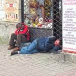 Warsaw_sleeping_men