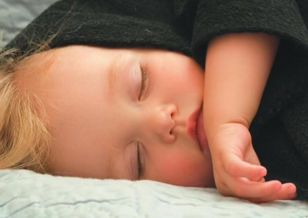 PX-216696-toddlersleepingsprin08
