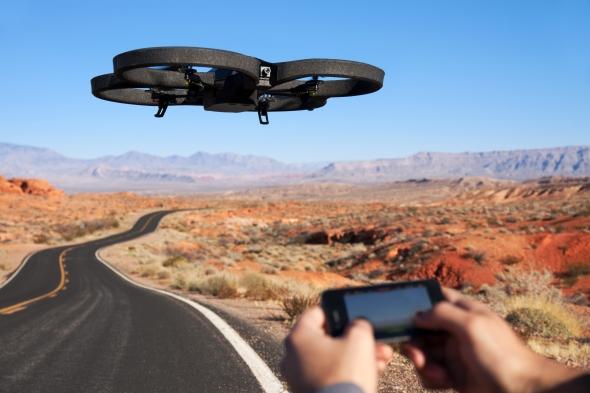 Parrot-AR-Drone-2-Quadricopter-Smartphone