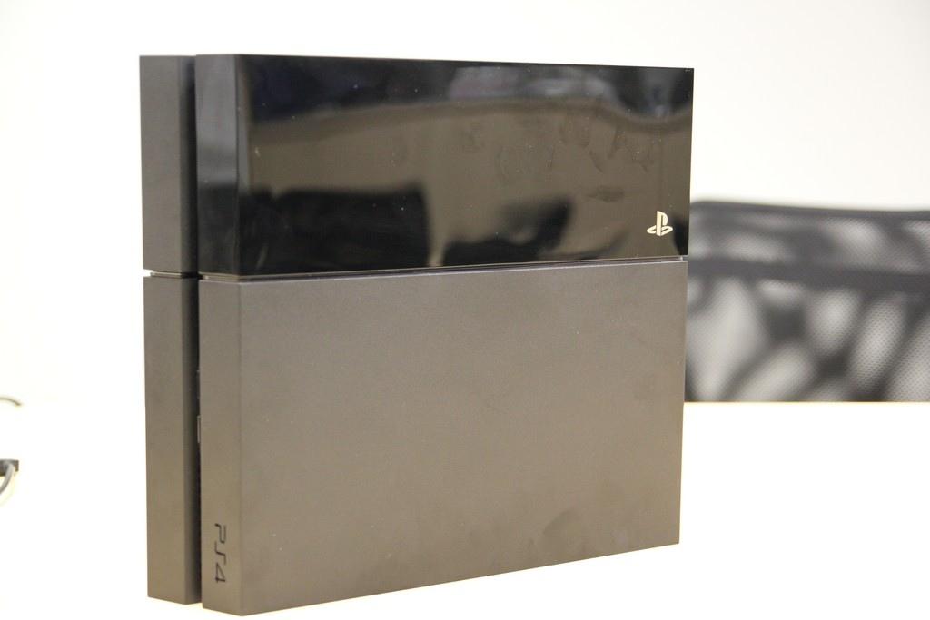 Sony PS4 於北美上市,實機照片曝光