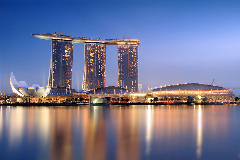 800px-Marina_Bay_Sands_in_the_evening_-_20101120