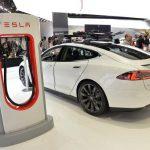 Tesla 電動車中國預定火熱將建免費充電站