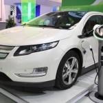 首批 Tesla Model S 中國車主陷充電難題