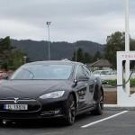 汽油車 Out!瑞銀:太陽能發電助攻、電動車將成寵兒