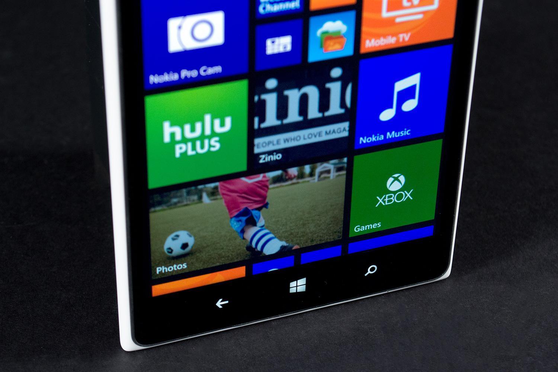 Nokia-Lumia-1520-bottom-front-macro