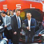 Tesla 中國交付首批新車  充電裝置仍是難題
