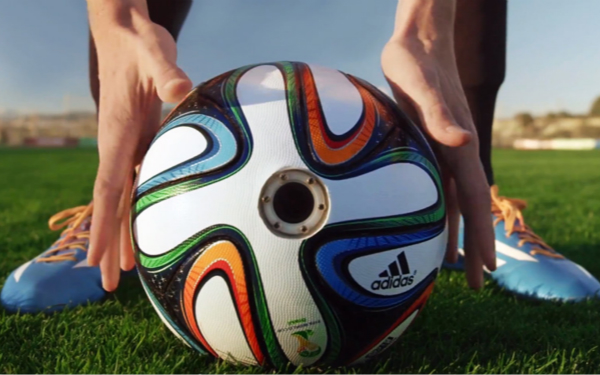 adidas-ball-with-camera-world-cup-2014_meitu_1