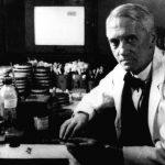 弗萊明開啟抗生素時代,未申請專利英國反蒙其害