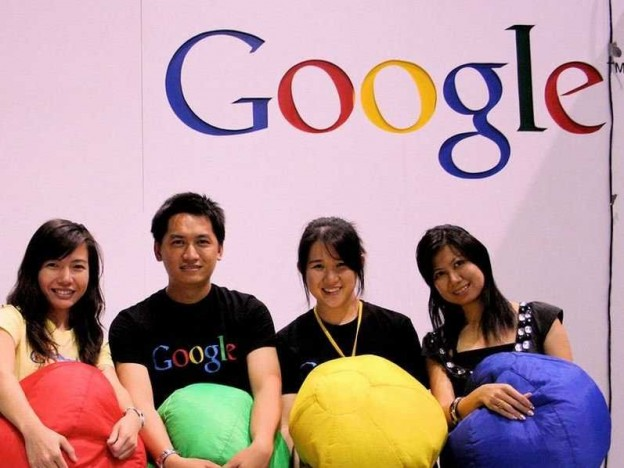 google-employees-googlers-holding-balls-9
