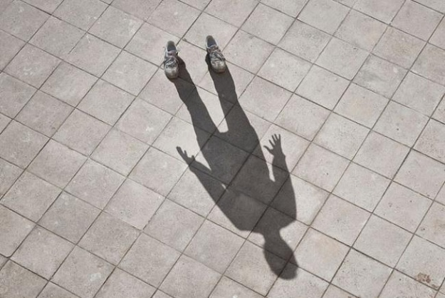 shadow-3-625x1000