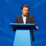 Michael J. Fox 基金會與英特爾攜手 改進帕金森氏症的監測與治療
