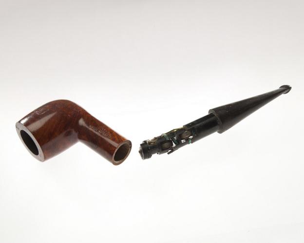 cia-tobacco-pipe