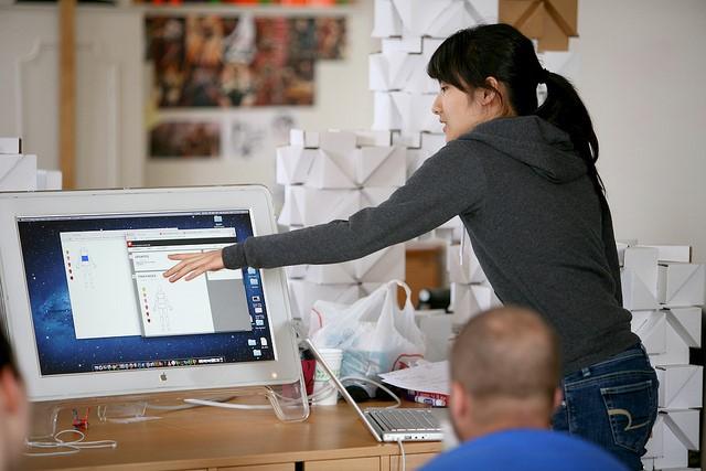 前端工程師專訪,談跨入網站與 App 前端設計之路