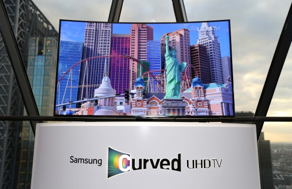 Samsung_Curved_UHD_TV_Launch-600x389