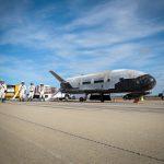波音小型無人太空船 X-37B 完成試飛