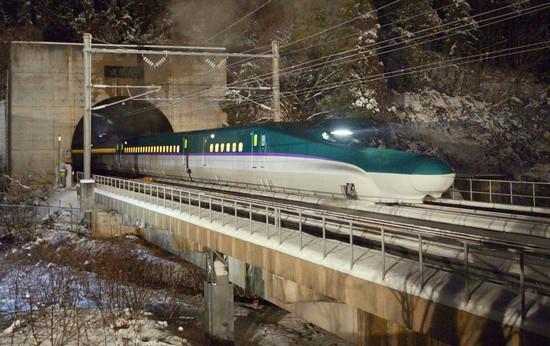 北海道新幹線「H5 系」試運行,北海道到本州青森僅需 1 小時