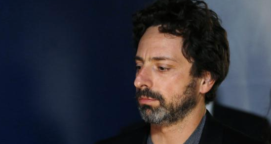 2014 年 11 月,沒有佩戴 Google Glass 的 Sergey Brin 顯得有些憔悴(圖片來自:路透社)