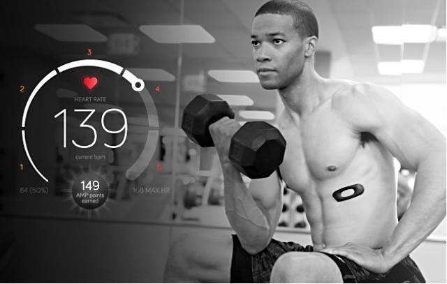 FitLinxx 發表可黏在身上的健身追蹤器 AmpStrip