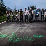 英國女大生發明雷射腳踏車燈來消除視線死角