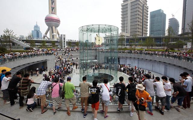 2010 年 7 月 10 日蘋果上海浦東店開業
