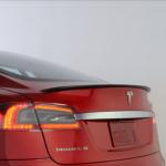 Tesla 力拚中國市場,買車送充電樁