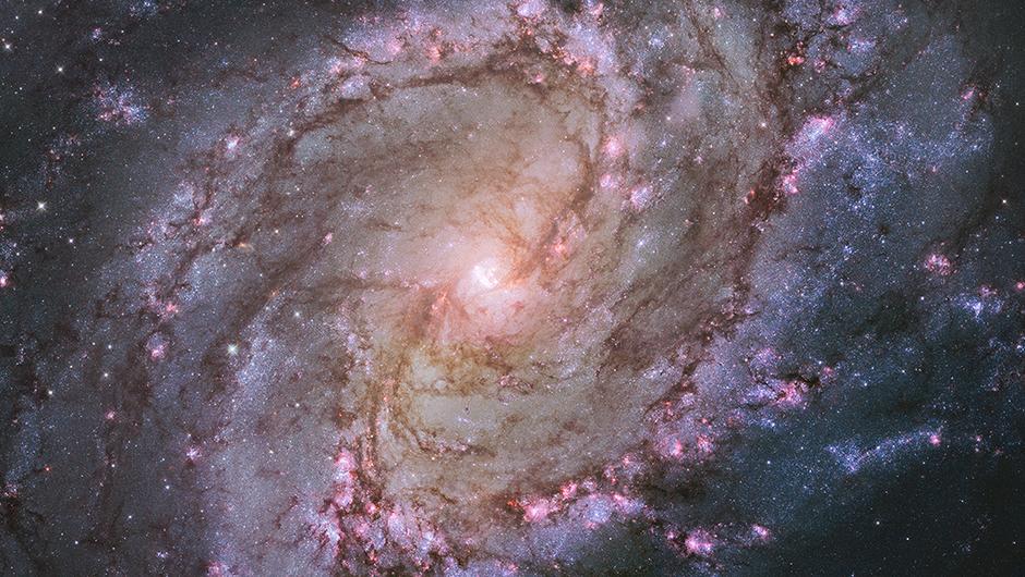 Galaxy m83-2014-04-a
