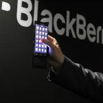 學 Galaxy S6 Edge?黑莓 BlackBerry 神秘新機展現雙曲面螢幕