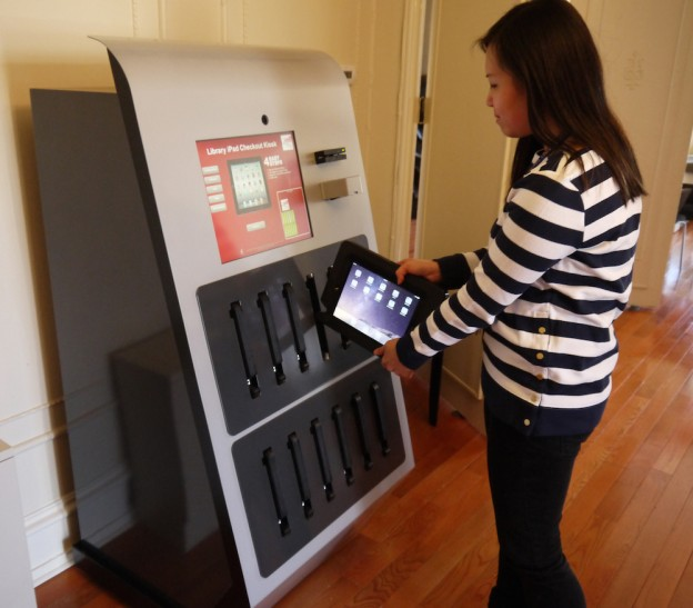 Drexel-Newest-Vending-Machine-Dispenses-iPads_2