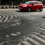 聖嬰發威,印度五十度熱浪致千人死亡、道路變形