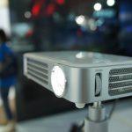 【COMPUTEX 2015】輕巧效能佳,台達 Vivitek Qumi Q6 LED 可攜式投影機絢彩登場
