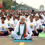 印度總理穆迪為國家打拚,然為何要率眾練瑜伽?