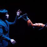 《黃翊與庫卡》人機共舞,引動人性與科技之間從未發掘的情感