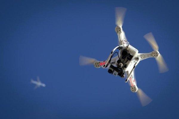 波音研發新型監控無人機,可飛到目標手機附近植入間諜軟體