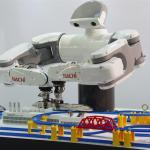 雙臂人形機器人更靈活!NACHI 實現智動化進階應用