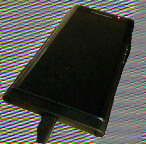 BlackBerry-Venice-Slider-CAM-Crop-emboss-ifanr0820