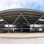 全球首座「綠能機場」在厄瓜多:100% 靠太陽能及風力發電