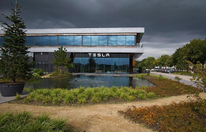 Tesla Factory_huxiu101601