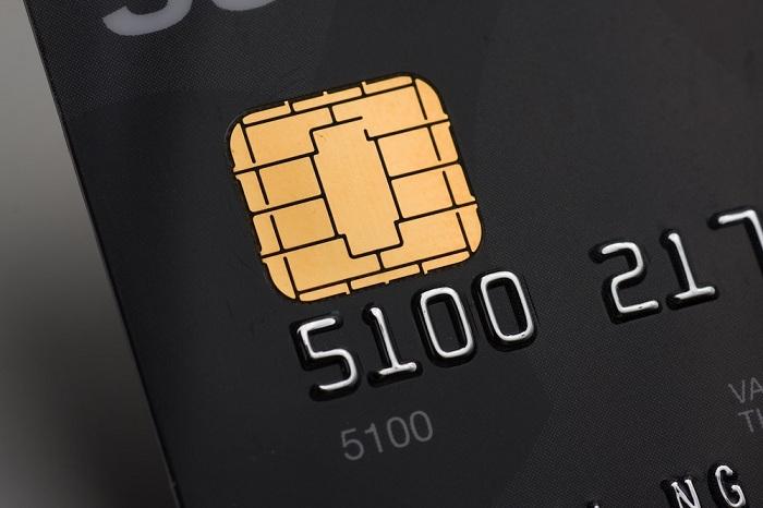 emv-black-credit-card-ifanr1021