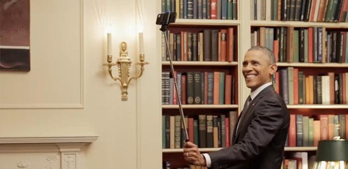 obama-selfie-stick-smartm1028