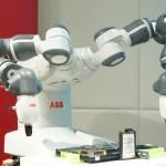 機器人跨出圍籬,如何確保對人類無害?