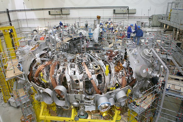 640px-Wendelstein7-X_duringAssembly