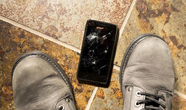 超強玻璃問世,你再也不用擔心摔碎手機螢幕了