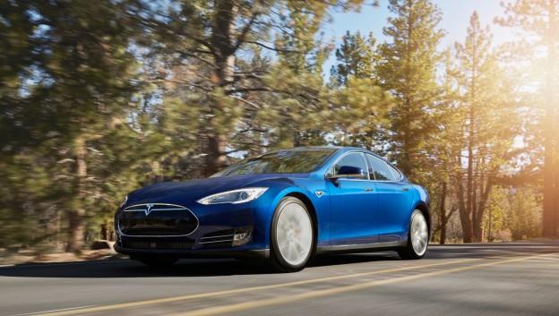 Tesla_Model-S-70D_ocean-blue