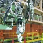 東芝的巨型機器人將進入福島核電廠區,清除燃料棒