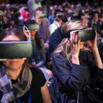 Mark Zuckerberg 視 VR 為平台,找來遊戲業人才打造 VR 社群平台
