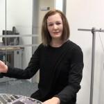 如同人類擁有個性和情緒,新加坡 NTU 研發擬真人形機器助理