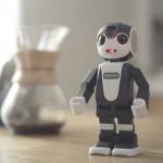 夏普機器人手機「RoBoHoN」5 月發售,單機價新台幣 6 萬元