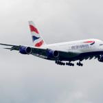 英國航空客機疑遭無人機撞擊,飛安專家:應加強教育落實法規