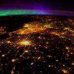 另一種驚嘆!從太空人的視角看地球極光