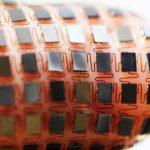 穿戴式裝置的電池革命來了?靠太陽能充電的可撓式鋰電池組可望問世